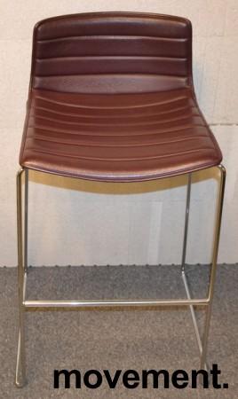 Arper Catifa barkrakk i lilla / aubergine skinn / krom, 77cm sittehøyde, pent brukt bilde 1