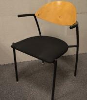 EFG Liisa konferansestol  i bjerk / sort stoff, sittehøyde 43,5 cm, pent brukt