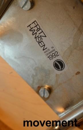 Barkrakk / barstol fra Fritz Hansen, Model 50650 i krom / sort skinn, Design: Piet Hein, pent brukt bilde 3
