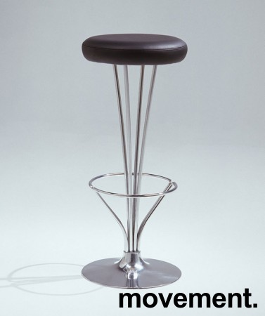 Barkrakk / barstol fra Fritz Hansen, Model 50650 i krom / sort skinn, Design: Piet Hein, pent brukt bilde 1