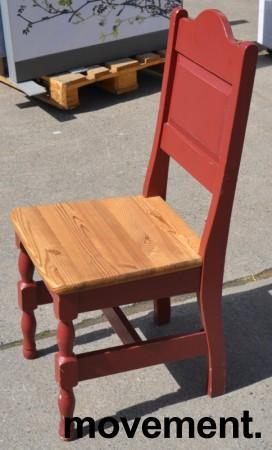 Stort spisestuebord i massiv heltre med tilhørende stoler, rustikk rødbeiset, 200x84cm, pent brukt bilde 4