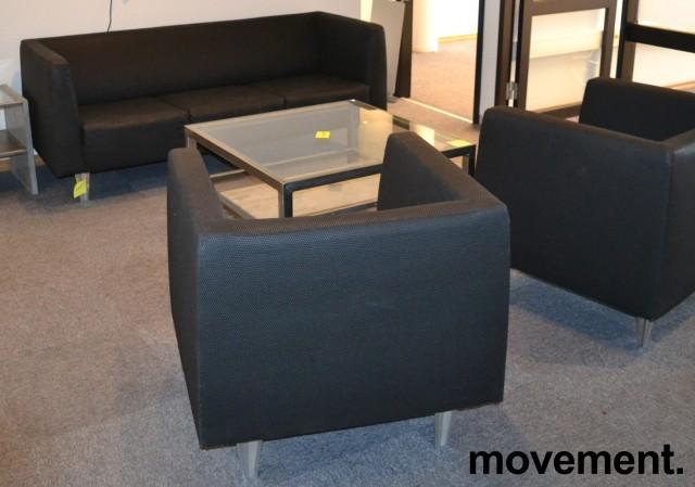 Loungesofa: 3-seter sofa i gråsort stoff, bredde 190cm, pent brukt bilde 2