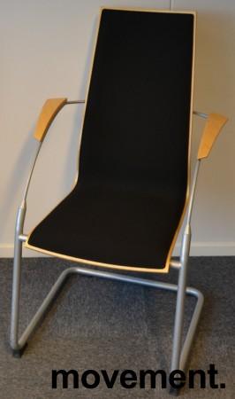 Konferansestol i bøk / sort stoff / grålakkerte ben, pent brukt bilde 1
