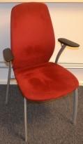 Møteromsstol fra Kinnarps, mod Plus 375 i rød mikrofiber / grålakkert metall, pent brukt