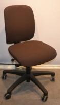 Savo EOS2, kontorstol i brunt stoff, lav rygg, uten armlener, pent brukt KUPPVARE