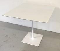 Loungebord / Kantinebord / Kafebord i hvitt, 80x80cm, 74cm høyde, brukt - noe kosmetisk slitasje på kanter