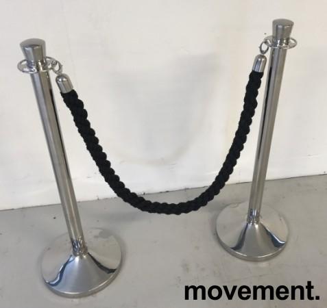 Sperrestolpe / gjerdestolpe i krom / køordner, for inngangsparti i restaurant e.l.l, pent brukt