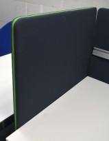 Bordskillevegg fra Götessons, ScreenIt A30, mørk grå med grønn glidelås, 80x80cm, pent brukt
