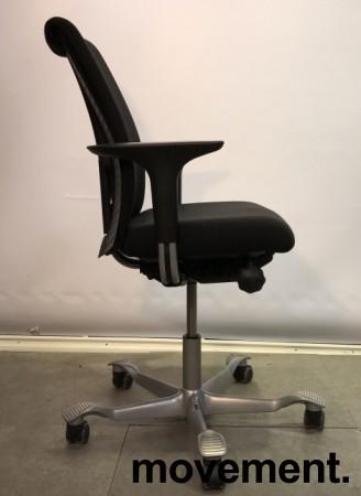 Kontorstol: HÅG H05 5500, sort stofftrekk med grått understell, pent brukt bilde 9