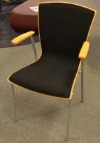 Stablestol i bøk / sort stoff med armlene fra Scan Sørlie, pent brukt