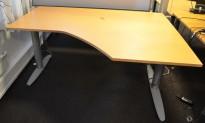 Kinnarps T-serie hevsenk i bøk, 160x120cm, høyreløsning, pent brukt