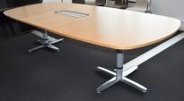 Møtebord i eik / krom understell, Kinnarps T-serie, 280x120cm, passer 8-10 personer, pent brukt