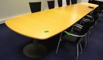 Stort møtebord i bøk fra Kinnarps, 680x120cm, passer 22-24 personer, pent brukt
