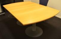 Møtebord i bøk fra Kinnarps, 180x120cm, passer 6-8personer, pent brukt