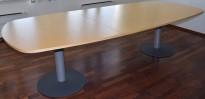Møtebord i bjerk / grått, Kinnarps E-serie, 280x120cm, passer 8-10 personer, noe slitasje i plater