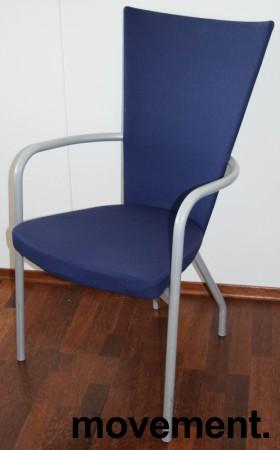 Konferansestol / møteromsstol fra Kinnarps, modell Ari i blått trekk / alugrått understell, pent brukt bilde 1