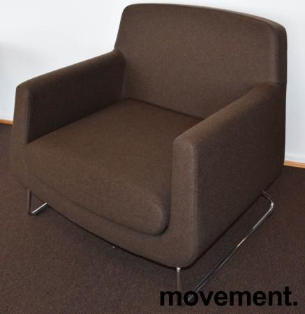 Loungestol fra Skandiform, modell Jefferson i brunt stoff, 92cm bredde, pent brukt bilde 1