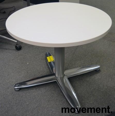 Loungebord i hvitt og krom, rund plate Ø=60cm, H=55cm, lekkert lite kaffebord fra Kinnarps, pent brukt