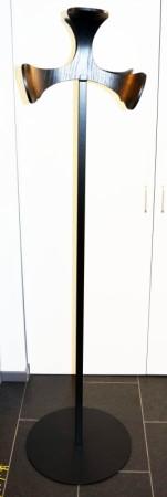 Stumtjener fra Swedese, modell Hanahana, design: Shinobu Ito, 181cm høyde, pent brukt bilde 3