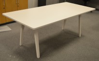 Møtebord / konferansebord i hvitt fra Vitra, Joyn 200x90cm, passer 6-8 personer, pent brukt
