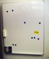 Whiteboard 80x100cm, vegghengt modell, pent brukt