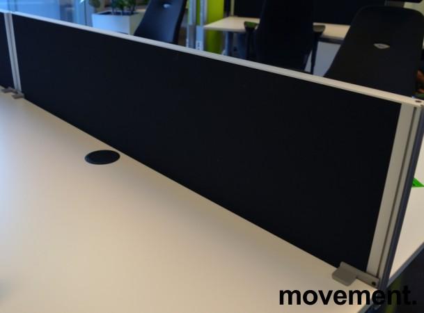 Kinnarps Rezon bordskillevegg i sort til kontorpult, 140cm bredde, 35cm høyde, pent brukt bilde 1