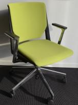Konferansestol i grønt stoff på hjul, Haworth Cadeira, pent brukt