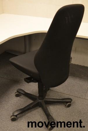 Kontorstol: Kinnarps Synchrone 8000 / Plus 8 i sort stoff, høy rygg, pent brukt bilde 4