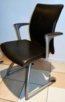 Håg H04 Communcation 4470 konferansestol i sort skinn, grått understell, pent brukte
