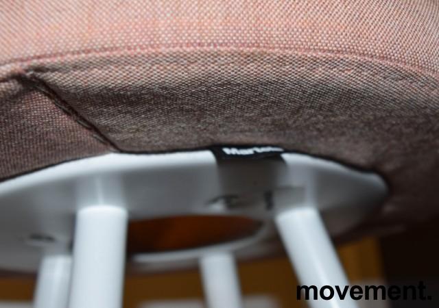 Barstol / Barkrakk fra Martela, modell Drop, rosa stofftrekk sete, hvitt understell, 80cm sittehøyde, pent brukt bilde 2
