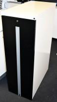 Tårnskap / towerskap i hvitt, sort front, Martela, åpning mot høyre side, 40cm bredde, 121,5cm høyde, 80cm dybde, pent brukt