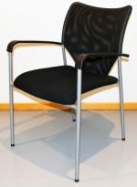 Konferansestol i sort / mesh / grått metall, pent brukt