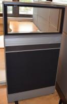 Skillevegg-modul til kontor fra Kinnarps, 80B 150H, Zonit-serie, Grå/sort+glasstopp, Lyddempende / Kabelkanal, pent brukt