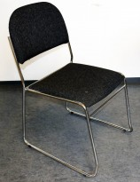 Konferansestol i gråmelert stoff / krom, pent brukt