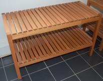 Garderobebenk / Hylle i teak, 82,5cm bredde, 37 dybde, 50 høyde, pent brukt