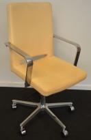 Martela SoftX konferansestol / kontorstol i skinn natur / polert aluminium, pent brukt