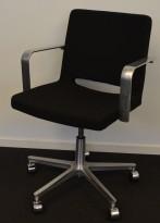 Martela SoftX konferansestol / kontorstol i sort stoff / polert aluminium, pent brukt