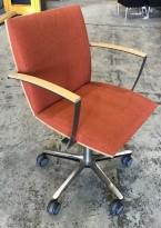Konferansestol på hjul, ISKU Versio i orangemelertstoff / bjerk, pent brukt