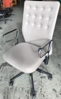 Konferansestol / kontorstol fra Vitra, modell ID Trim i beige skinn, pent brukt