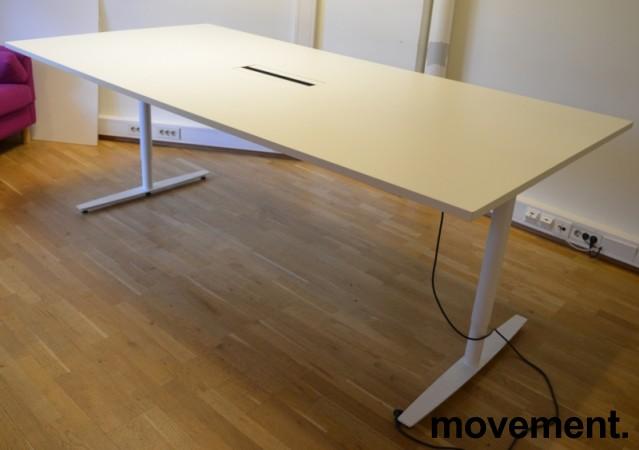 Møtebord / konferansebord med elektrisk hevsenk i hvitt, 240x120cm, passer 8-10 personer, pent brukt bilde 4
