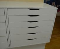 Tegningsskuff med 6 skuffer i hvitt fra IKEA, bredde 67cm, høyde 60cm, pent brukt