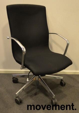 Konferansestol på hjul i sort / krom fra Vaghi, pent brukt bilde 1