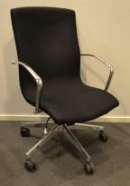 Konferansestol på hjul i sort / krom fra Vaghi, pent brukt