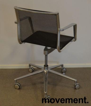 Lekker konferansestol på hjul i krom / sort mesh, pent brukt bilde 2