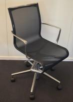 Alias Rollingframe konferansestol på hjul i polert aluminium / sort mesh, pent brukt