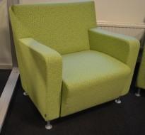 Loungestol / lenestol i grønnmønstret stoff fra Materia, pent brukt