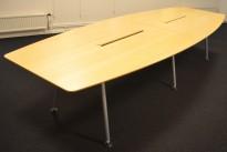 Møtebord fra Skandiform i bjerk , 330x120cm, passer 10-12 personer, pent brukt