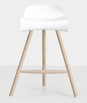 Kristalia BCN barstol i hvitt / ben i bøk, sittehøyde 70cm, pent brukt