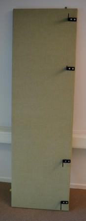 Bordskillevegg i grønt / grått stoff fra Horreds, 200x60cm, pent brukt bilde 1