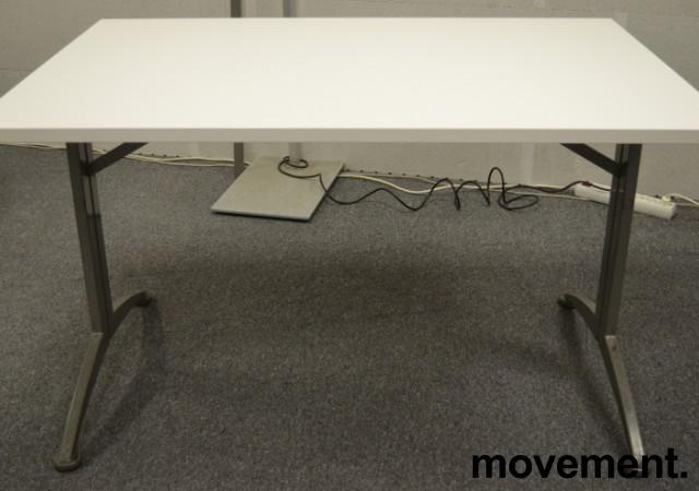 Kinnarps skrivebord / kantinebord i hvitt, 120x80cm, brukt understell med ny plate bilde 3